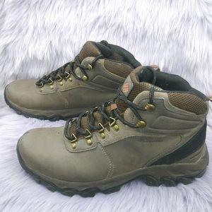 Columbia Newton Ridge Plus ll brown hiking boots